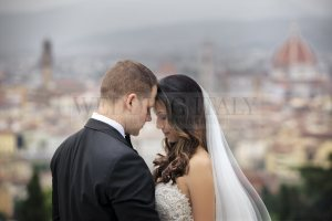 romantic-castle-wedding-tuscany-23