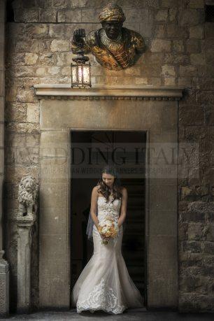 romantic-castle-wedding-tuscany-32