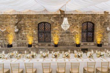romantic-castle-wedding-tuscany-46