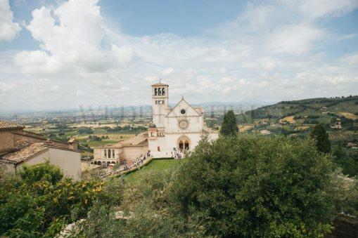 romantic-catholic-wedding-in-assisi-28
