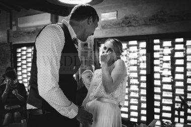 romantic-countryside-wedding-41