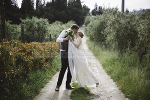 romantic-countryside-wedding-52