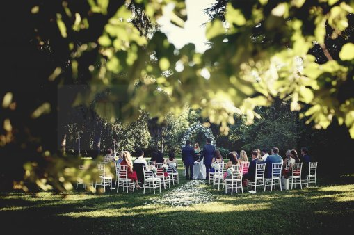 Romantic outdoor wedding in Italy